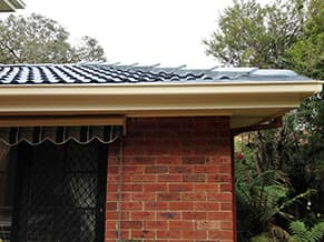 Top Glaze uses the highest quality guttering products from Ace Guttering, that are durable and extremely corrosion resistant and backed by a 20-year manufacturer warranty.